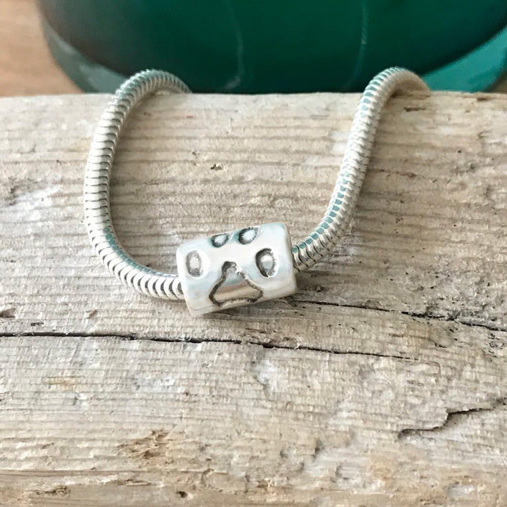 Pandora style pawprint bead