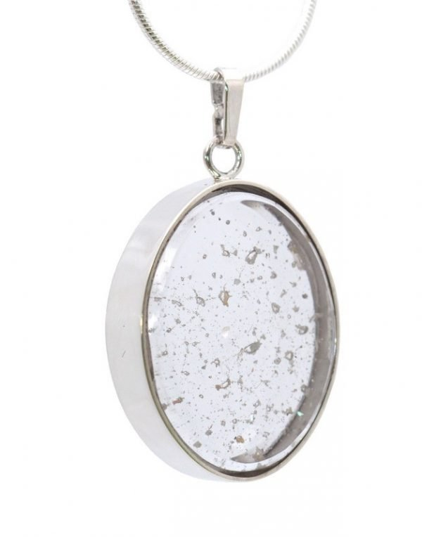 Oval Pendant (25x20mm) with 45cm Chain