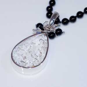 Silver Faceted Teardrop Pendant 20x25 mm, freshwater pearls/black onyx