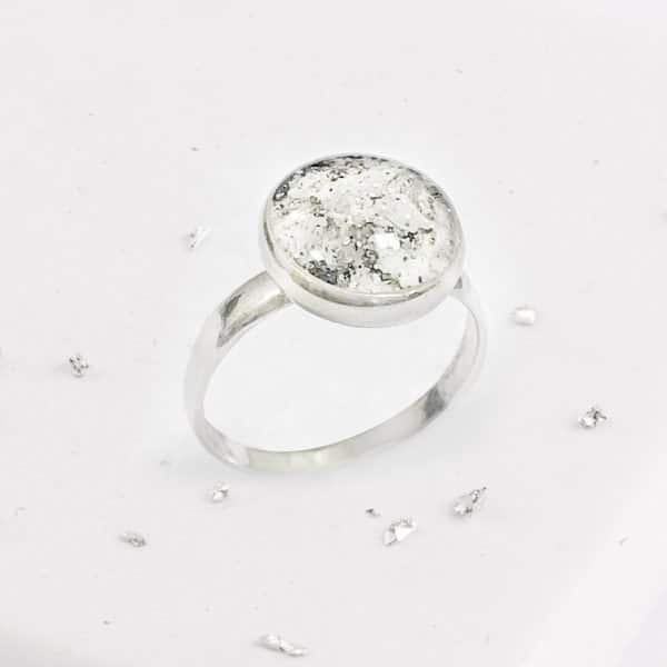 Crystarosin Inlaid Small Round Ring, Ashes or Hair